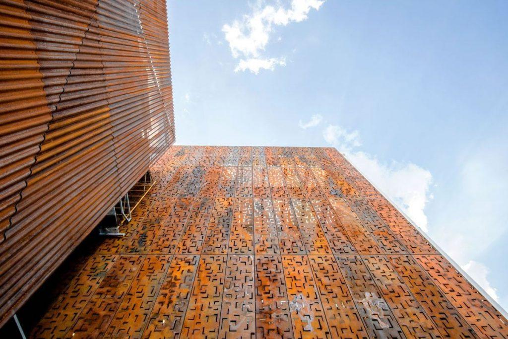 fachada metalica